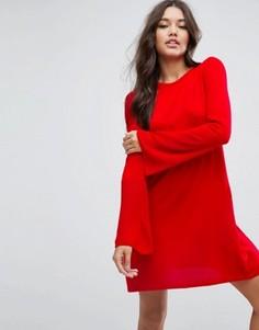 Вязаное платье c рукавом-клеш ASOS - Красный