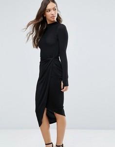 Асимметричное платье с высоким воротом Wal G - Черный