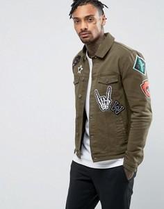 Зауженная джинсовая куртка цвета хаки с нашивками ASOS - Зеленый