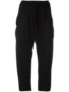 укороченные брюки с заниженным шаговым швом  Lost & Found Ria Dunn