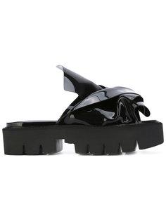 сандалии с узлом спереди Nº21