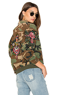 Куртка-бомбер с вышивкой - AS65