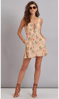 Платье со шнуровкой leila - FLYNN SKYE