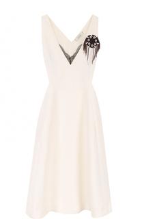 Приталенное платье-миди с контрастной брошью Dorothee Schumacher