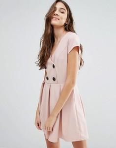 Короткое приталенное платье с пуговицами Wal G - Розовый