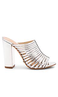 Туфли на каблуке veronika - Schutz