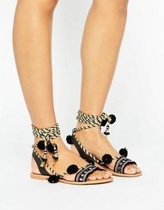 Черные замшевые сандалии с завязками и помпонами Glamorous - Черный