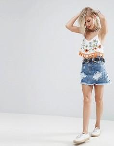 Джинсовая мини-юбка с рваной отделкой Glamorous - Синий