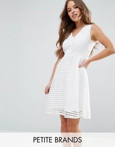 Фактурное платье Yumi Petite - Кремовый
