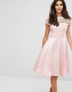 Платье миди с кружевом Chi Chi London - Розовый