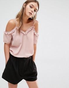 Топ с открытыми плечами и оборками по краю Fashion Union - Розовый