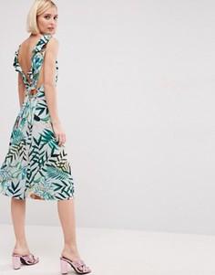 Платье миди с рюшами на спине и тропическим принтом ASOS - Мульти