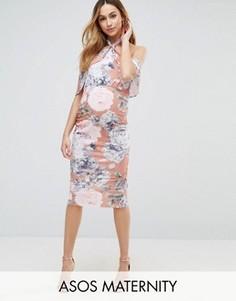 Мягкое платье-футляр телесного цвета с цветочным принтом и оборкой ASOS Maternity - Розовый