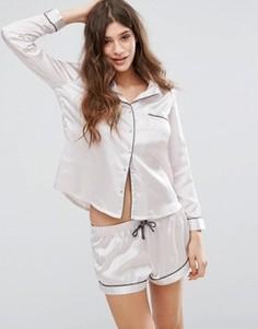 Атласный пижамный комплект в полоску с шортами New Look - Розовый