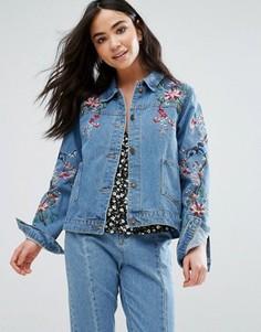 Джинсовая куртка с вышитыми цветами и птицами QED London - Синий