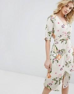 Платье миди с цветочным принтом и запахом Vero Moda - Бежевый