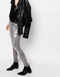 Состаренные джинсы слим с заниженной талией Cheap Monday - Серый