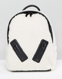 Рюкзак из искусственной овечьей шерсти с молнией Skinnydip - Кремовый
