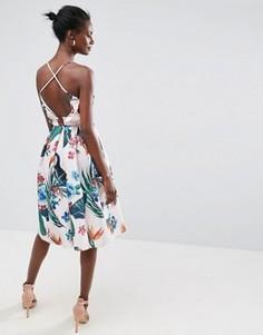 Платье миди для выпускного с рюшами на спине и тропическим принтом ASOS - Мульти