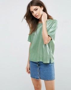 Укороченная трикотажная футболка с эффектом металлик ASOS - Зеленый