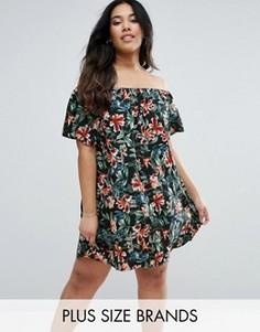 Платье с открытыми плечами и цветочным принтом Boohoo Plus - Мульти