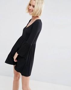 Свободное платье с V-образным вырезом ASOS - Черный