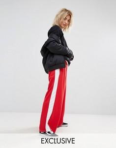 Широкие джоггеры с полосками по бокам Adolescent Clothing - Красный