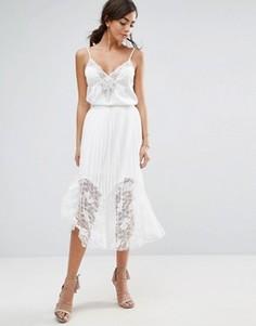Плиссированное платье миди с кружевом Boohoo - Белый