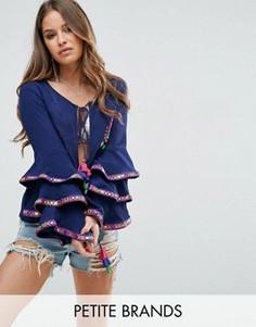 Пиджак с ярусными оборками на рукавах и вышивкой Glamorous Petite - Темно-синий