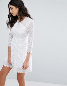 Короткое приталенное платье Little White Lies Maryse - Белый
