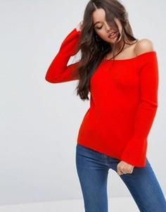 Джемпер в рубчик с открытыми плечами и расклешенными рукавами ASOS - Красный