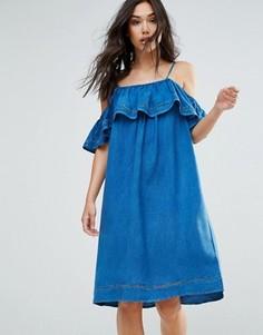 Джинсовое платье с оборкой QED London - Синий