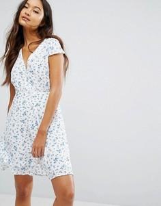 Чайное платье на пуговицах с цветочным принтом Jack Wills - Белый