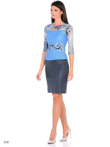 0e435c7fdb7e9a0 Прилегающая женственная блуза с вырезом лодочка с втачным рукавом три  четверти из жатого немнущегося трикотажа насыщенного бирюзового цвета.