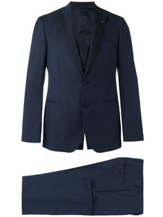 костюм-тройка  с контрастными лацканами Lardini