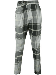 укороченные брюки с заниженным шаговым швом  Vivienne Westwood Man
