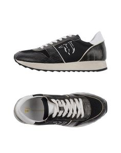 Низкие кеды и кроссовки Trussardi Jeans