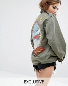 Куртка в стиле милитари с нашивкой на спине Reclaimed Vintage X Romeo And Juliet - Зеленый