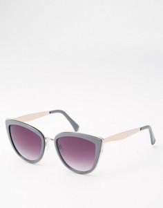 Солнцезащитные очки кошачий глаз с металлическими дужками ASOS - Серый