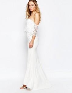 Кружевное платье с открытыми плечами Jarlo - Белый