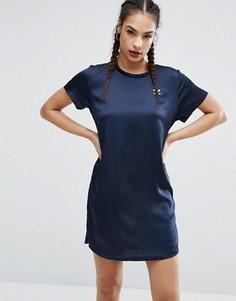 Платье с плиссированной отделкой сзади adidas Originals Adicolor - Синий