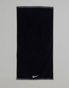 Черное большое полотенце Nike Fundamental ET.17L010 - Черный