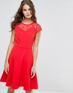 Свободное платье с кружевом Paper Dolls - Красный