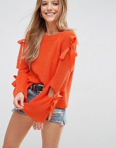 Джемпер в рубчик с завязками на рукавах ASOS - Оранжевый