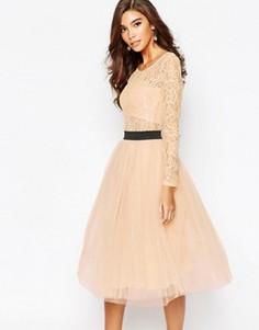 Кружевное платье с контрастным поясом и юбкой из тюля Rare London - Розовый