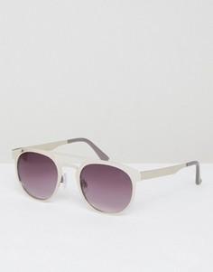 Круглые солнцезащитные очки в серебристой металлической оправе Jeepers Peepers - Серебряный
