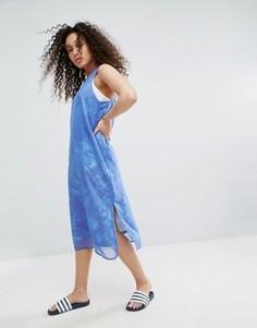 Платье-майка с накладкой из шифона и принтом океана adidas Originals эксклюзивно для ASOS - Мульти