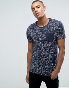 Узкая футболка с цветочным принтом и контрастным карманом Esprit - Темно-синий