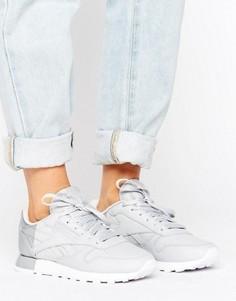 Матовые с блестящей отделкой кроссовки Reebok Classics - Серый