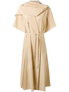 платье с плиссированной горловиной Lemaire